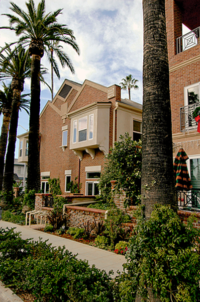 Cambridge Square San Diego Multi Family | MW Steele Group Architecture and Planning